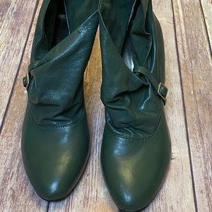 NINE WEST green booties size 6